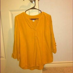 Selling this super cute yellow top